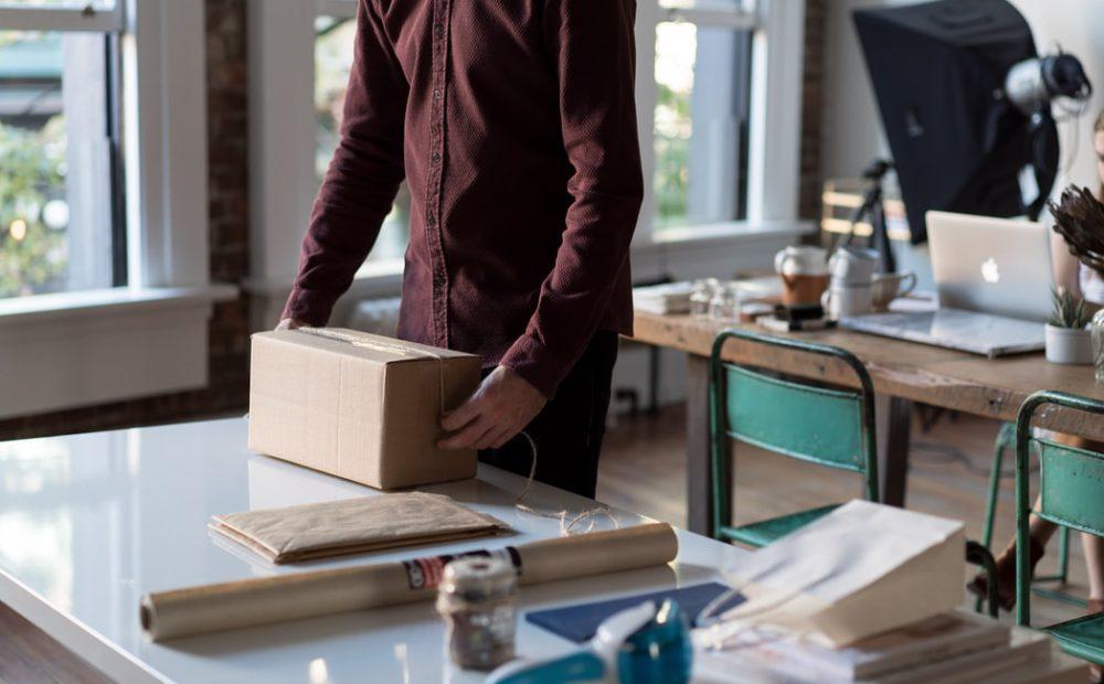 n11'de satış ve paketleme süreçlerini temsil eden fotoğraf