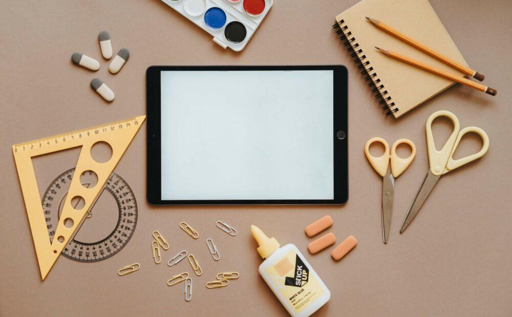 okul gereçlerini temsil eden foto