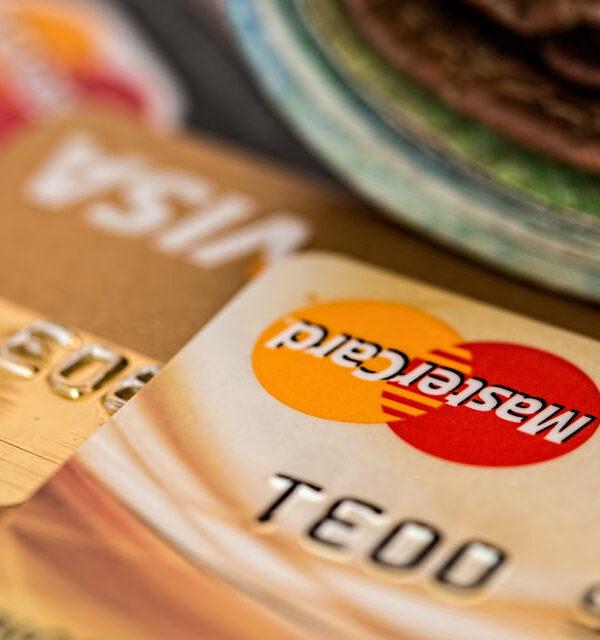 e-ticareti temsil eden kredi kartı fotoğrafı