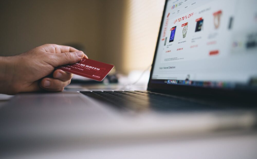 e-ticaret sitesindeki ödeme alma yöntemlerini temsil eden görsel